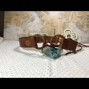 Fossil Vintage Tan Painted Rings Belt